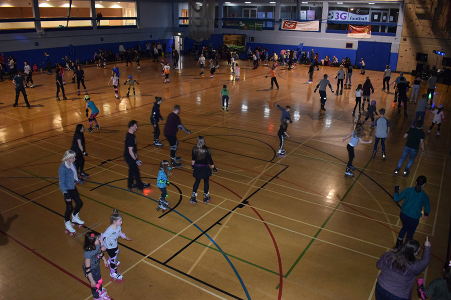 Family roller discos at Woking Leisure Centre - DiscoSkate
